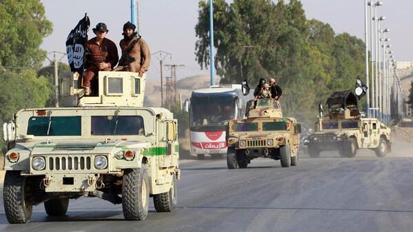 ISIS Three United States Humvees Seizes Syrian Oilfield - Alarabiya